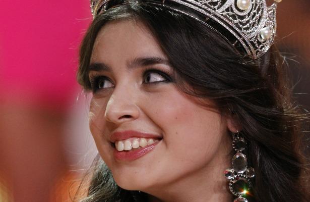"Elmira Abdrazakova from Mezhdurechensk smiles after winning the ""Miss Russia"" annual national beauty pageant (Maxim Shemetov/Reuters)"