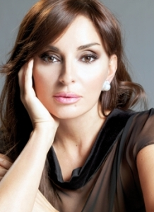 Azeri Firt Lady Mehriban Aliyeva. Photograph courtesy of .jassimtaqui.com