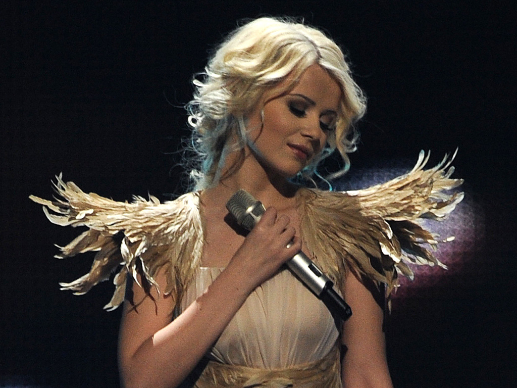 After 4 places at Eurovision Mika Newton was lowered into a coal mine 05/27/2011 99