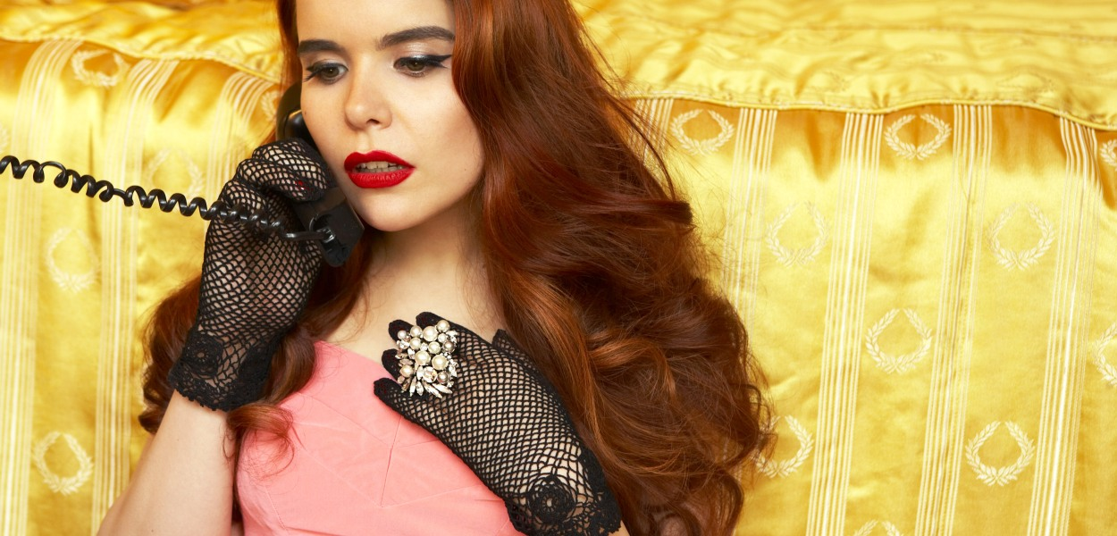 "Paloma Faith. ""Can We be Eurovision Twitter Friends?"" Photo : thegirlsare.com"