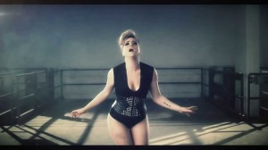 "Mei Finegold - ""Same Heart"". Photo : YouTube"