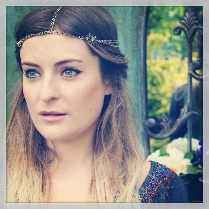 Molly Smitten-Downes 'Tourist Check'