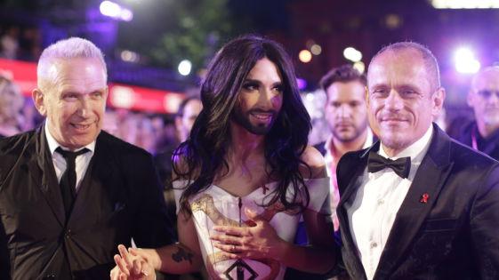 Life Ball 2014. Modeschöpfer Jean Paul Gaultier, Sängerin Conchita Wurst und Life Ball-Veranstalter Gery Keszler Bild: (APA)