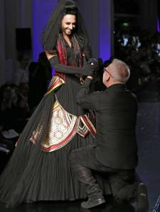 Conchita Wurst and Jean Paul Gaultier. Photo : Independent.co.uk