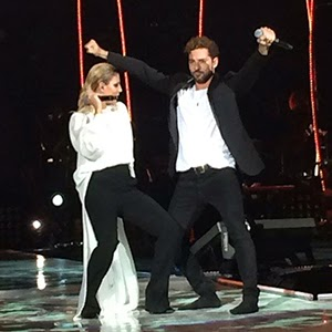 Emma and David. Photo : YouTube