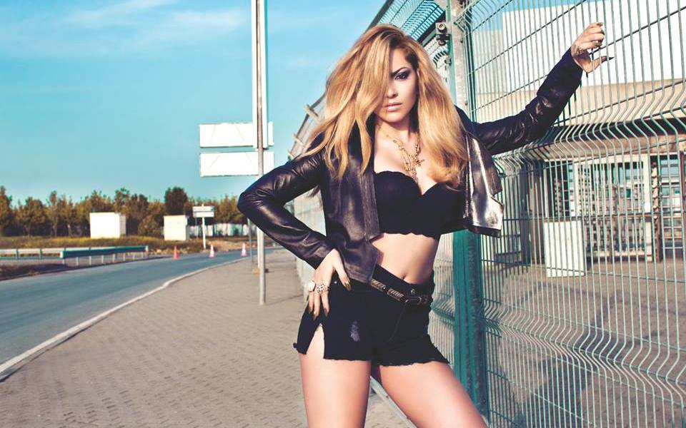 Hadise - Where are you my love? Photo : Hadise Official facebook