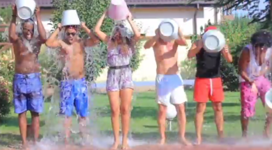 Mandinga ALS Ice Bucket Challenge. Photo : YouTube
