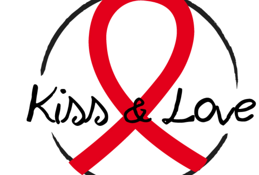'Kiss and Love'. Photo www.sidaction.org