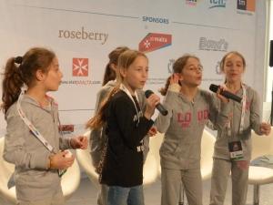 Georgia sing to the press