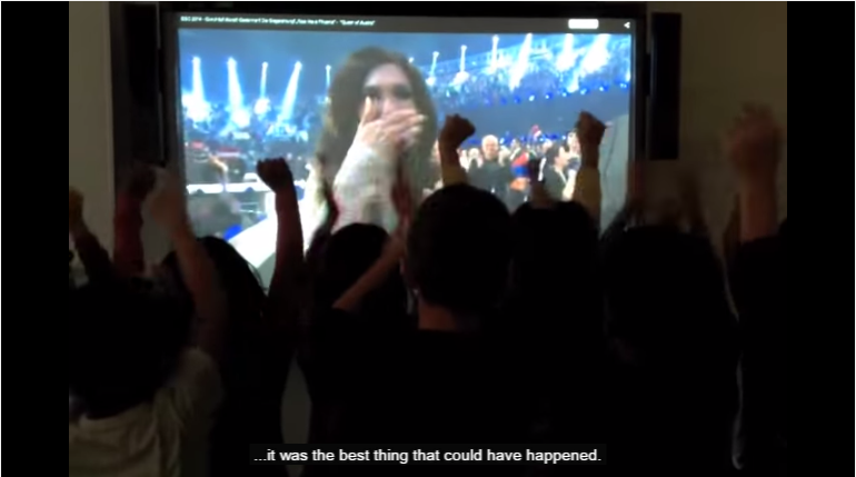 Conchita Inspires Children into #BuildingBridges. Photo : YouTube