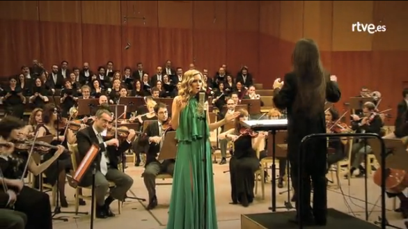 Edurne the Symphonic version of Amanecer. Photo : RTVES