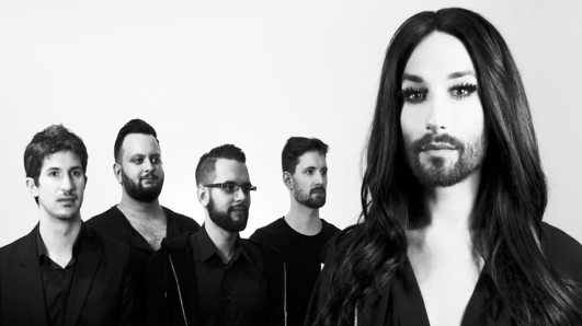 Conchita mit band